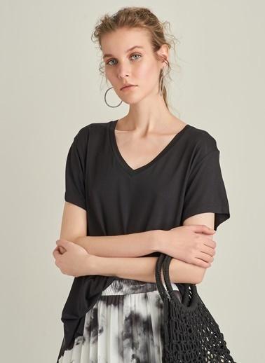 Ng Style Bol Kesim V Yaka Tişört Siyah